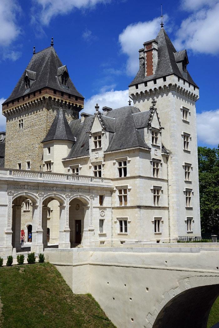 Voyage en autocar à Pau - Caralliance